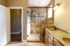 Nathan Mantor Photography #shower #masterbathroom #realestate #realty #nashville #photography