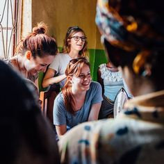 Our team has been having the absolute best time getting to know our Malawian craftsmen better! #mcinmalawi #marketcolors
