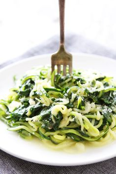 5-Ingredient Spinach Parmesan Zucchini Noodles Recipe on twopeasandtheirpod.com You only need 5 ingredients and 20 minutes to make this easy and healthy dish! Add it to your dinner menu now!