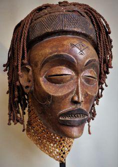 CHOKWE Mwana Pwo Mask. Angola. 30cm. Coll.PD-Jipsinghuizen-NL
