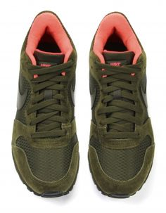 Groene Nike Sneakers   MD Runner 2 Mid
