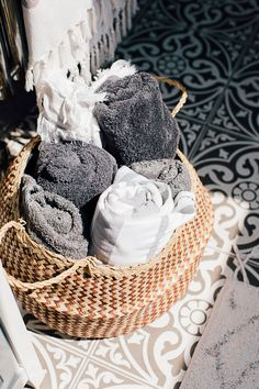 Global Inspired Home Tour {Upstairs} Bathroom Storage Idea: Hammam Towels In Basket – Theresa's Four Bed Boho Inspired Home. Scandi Bathroom In Grey And Monochrome With Natural Textures And Lots Of Greenery. Image By Adam Crohill. Bathroom Baskets, Small Bathroom Storage, Boho Bathroom, Bathroom Towels, Bathroom Organization, Bathroom Ideas, Bathroom Cabinets, Bathroom Furniture, Organization Ideas