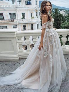 Sexy Sweetheart Lace Appliques A Line Wedding Dresses Chic Off Shoulder Sleeveless Tulle Wedding Gowns Formal Bride Dress 2020 A Line Bridal Gowns, Tulle Wedding Gown, Cute Wedding Dress, Wedding Dresses For Sale, Bohemian Wedding Dresses, Bridal Dresses, Lace Wedding, Bride Gowns, Wedding Dress Corset
