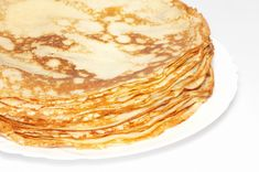 Go French with Alton Brown's foolproof Crepes recipe from Good Eats on Food Network. use chocolate and berries for dessert. French Pancakes, French Crepes, Crepes Minces, Coconut Flour Crepes, Food Network Recipes, Cooking Recipes, Crepe Cake, Low Carb Tortillas, Crepe Recipes