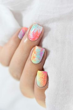 Tie and dye nail art - summer manicure - neon marble nails Cute Gel Nails, Funky Nails, Neon Nails, Diy Nails, Pretty Nails, Summer Acrylic Nails, Cute Acrylic Nails, Acrylic Nail Designs, Nail Art Designs