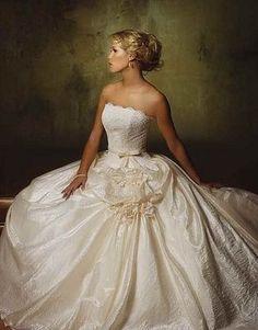 panina wedding dress...........i love this