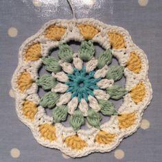 Naissance Mandala ~ Pattern for a mandala using DROPS Paris – Cotton Pod