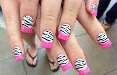 Diseños uñas de cebra, diseños de uñas de cebra francesas inversas.   #uñasbonitas #3dnailart #uñasdemoda