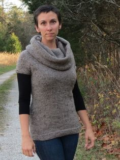 Idlewood tunic pattern makes a cozy and flattering garment, love it!