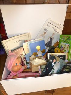 Making a memory box for someone living with dementia / alzheimers http://anythingbutbingo.co.uk/