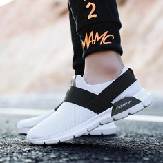 Weweya Lightweight Men Running Shoes Breathable Mesh Sneakers for Man  Comfortable Sport Shoes Slip On Plus 83027b13009c