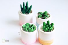 In French, but the pictures are pretty self-explanatory. http://madame-citron.fr/diy-pots-tie-and-dye/