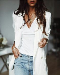 blazer and jeans outfit Trend Fashion, Fashion Mode, Fashion Outfits, Womens Fashion, Curvy Fashion, London Fashion, Fashion Clothes, Casual Chic, Casual Look