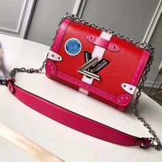 2019 LV Trends For Women Style,New Louis Vuitton Handbags Collection Louis Vuitton Red Purse, New Louis Vuitton Handbags, Vuitton Bag, Vintage Louis Vuitton, Louis Vuitton Monogram, Designer Bags For Less, Designer Purses, Designer Handbags, Luxury Bags