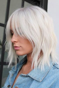 Trendy Shoulder-Length Hairstyles picture 2