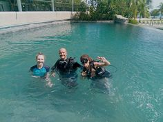 Anna and Robert had a blast in the pool on 4/4/2018! Their divemaster introduced... - #Anna #blast #divemaster #introduced #pool #Robert