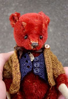 Harrison One Of a Kind Miniature Red Mohair Artist door aerlinnbears