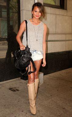 Chrissy Teigen keeps it summer casual.