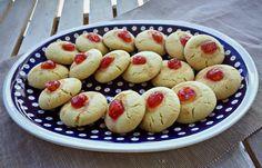 Συνταγή για πασχαλινά μπισκότα με σιμιγδάλι