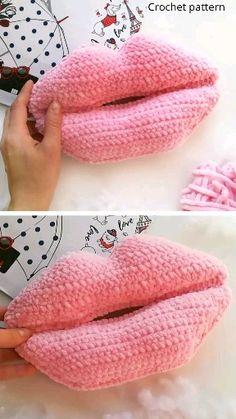 Most recent Pic Crochet pillow videos Strategies crochet pattern lips Crochet Pillow, Baby Blanket Crochet, Crochet Baby, Crochet Cushions, Crochet Gifts, Easy Crochet, Crochet Hooks, Crochet Toys Patterns, Crochet Patterns For Beginners