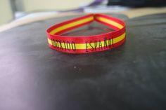 Nuestra pulsera culmen del proyecto 100×100, la pulsera de 100×100 español. Si tienes amor a tu país y a tus orígenes, esta es tu pulsera para lucir bien orgulloso.