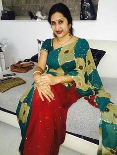 Madhuri Atluri Indian Beauty Saree, Indian Sarees, Blouse Designs, Dress Designs, Beautiful Saree, Beautiful Women, Aunty In Saree, Designer Dresses, Designer Sarees
