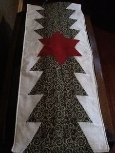 Christmas tree quilt runner from  Missouri  Star Quilt company tutorial