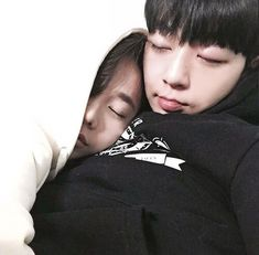 Cute korean couple cuddled up sleeping together. How cute !!! <3