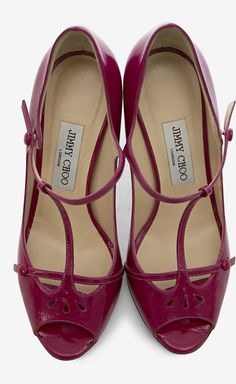 Love the style ! Maybe not the color so much. Yes, they're Jimmy Choo .