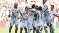 Poland into last eight Switzerland Poland on Pens Grzegorz Krychowiak Absolutely smashed in and Poland are into the quarter-finals for the first time in their history. Poland Culture, Visit Poland, European Championships, Night Life, Switzerland, Pens, Finals, First Time, Football