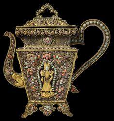 Tibetan Art, Brass Statues, Handmade Wire Jewelry, Copper Sheets, Royal Jewelry, Buddhist Art, Gold Gilding, Stone Carving, Nepal
