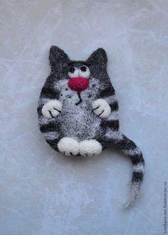 """Валяная брошь """"Кот серый 2"""" - валяная брошь,коты,кот серый,магнитик,прикольный подарок"""
