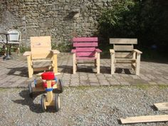 Pallet garden chair for children