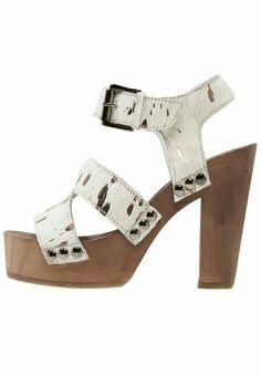 Sandal heels Maruti