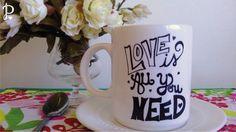 Tazas de cerámica sublimadas Diseño: Love  Tamaño: 10 cm de alto x 8,5 cm de diámetro. Aptas para microondas