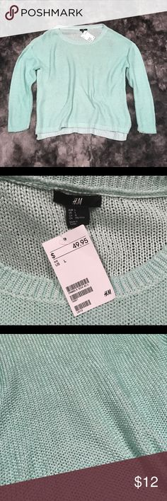 """Womens mint green loose knit sweater brand new NWT H&M mint green, loose knit, acrylic sweater. Could even be worn over a swimsuit! Length-26"""" armpit to armpit-25"""" H&M Sweaters Crew & Scoop Necks"""