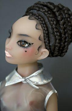 Pidgin Doll - World's Most Glamorous Doll Doll Head, Doll Face, Bjd Dolls, Barbie Dolls, Little Dolly, Poppy Parker, Monster Dolls, Polymer Clay Art, Fashion Dolls