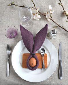 """212 gilla-markeringar, 38 kommentarer - Inredning Pyssel (@helenalyth) på Instagram: """"Får jag tipsa om den enklaste (& kanske sötaste) påskdukningen? Med en servett och ett ägg så har…"""""""