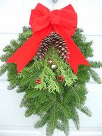 Fresh Maine Balsam Holiday Door Spray With Red Bow