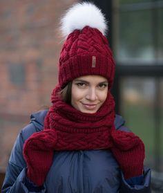 Яркий зимний комплект из мериноса в наличии заказать можно в директ/в what's app/viber +7(916)725-65-18 Мы находимся по адресу ул.Электрозаводская 29, 5 этаж, каб 515 ⏰график работы с 11 до 20 ежедневно #sava_handmade #лето2017 #зима2018 #зимняяшапка #вязаныйснуд #мода2017 #шапки #шапка #вязанаяшапка #инстамама #вязаныйшарф #russia #handmade #вязаниеназаказ #ручнаяработа #моднаяшапка #стиль #шарф #вязанаяшапка #вязаныйснуд #вязаныекостюмы #вязаныеварежки #вязаныевещи #вязаниен...