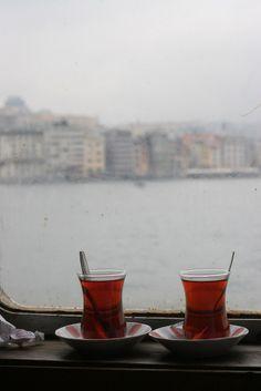 Türk çayı ☪ Turkish tea (İnce Belli Bardaklardan)