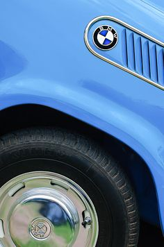 BMW Images by Jill Reger - Images of BMWs - 1959 Bmw Isetta 600 Limousine Emblem