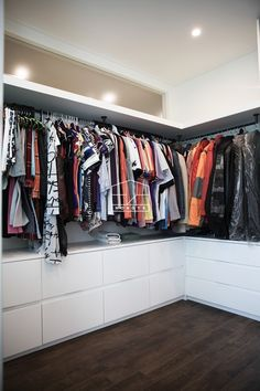 ideas for closet casal embutido - Dresses,Shoes,Outfits,Jewerly, Dream closet. Walk In Closet Design, Bedroom Closet Design, Master Bedroom Closet, Closet Designs, Ikea Closet Organizer, Closet Storage, Wardrobe Closet, Closet Space, Organiser Son Dressing