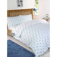 The Ditsy Floral Duck Egg Duvet Set is a simple yet beautiful set of bedding - with a baby blue side and a white side, this duvet cover can be used either way to match any home decor. This bedding set features a cute pink rose pattern, perfect for adding a calming and natural touch to any home. Sizes Available Single Bed Set Double Bed Set Kingsize Bed Set Set Contents Single Set: One pillow case & one quilt cover Double Set: Two pillow cases & one quilt cover Kingsize Set: Two pillow cases…