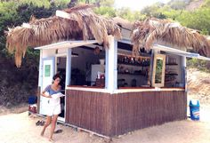 Ibiza za gurmane - Okusi.eu Ibiza, Pergola, Loft, Outdoor Structures, Outdoor Decor, Travel, Furniture, Home Decor, Self