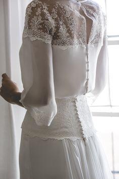 Vestido de novia ligero y romántico. Detalles de bordado. Wedding dress with blouse. Foto Patricia Semir