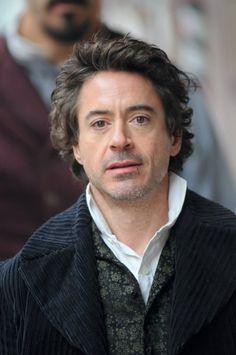 Robert Downey Jr on set of Sherlock Holmes
