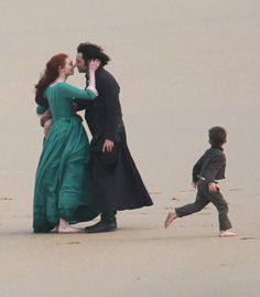 Poldark S4 filming: Aidan Turner and Eleanor Tomlinson