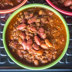 Pressure Cooker Quick Chili with Canned Beans recipe. What's the quickest way to get dinner on the table? Pressure cooker chili, of course. Chilli Recipes, Bean Recipes, Soup Recipes, Cooking Recipes, Recipies, Yummy Recipes, Salad Recipes, Instant Pot Pressure Cooker, Pressure Cooker Recipes