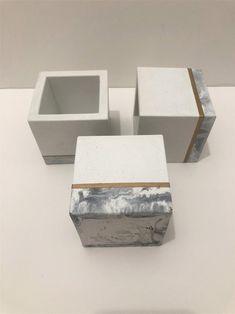 Premium Marble and White with Gold Strip Cube Concrete Planter image 1 Diy Concrete Planters, Concrete Cement, Diy Planters, Succulent Planters, Succulents Garden, Cement Flower Pots, Cement Pots, Concrete Crafts, Concrete Projects